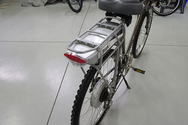 Full shot of the Bionx battery and rear rack mount